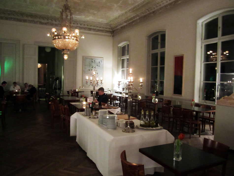 Interieur no 253 restaurant im arp museum bahnhof for Bistro interieur no 253 im arp museum