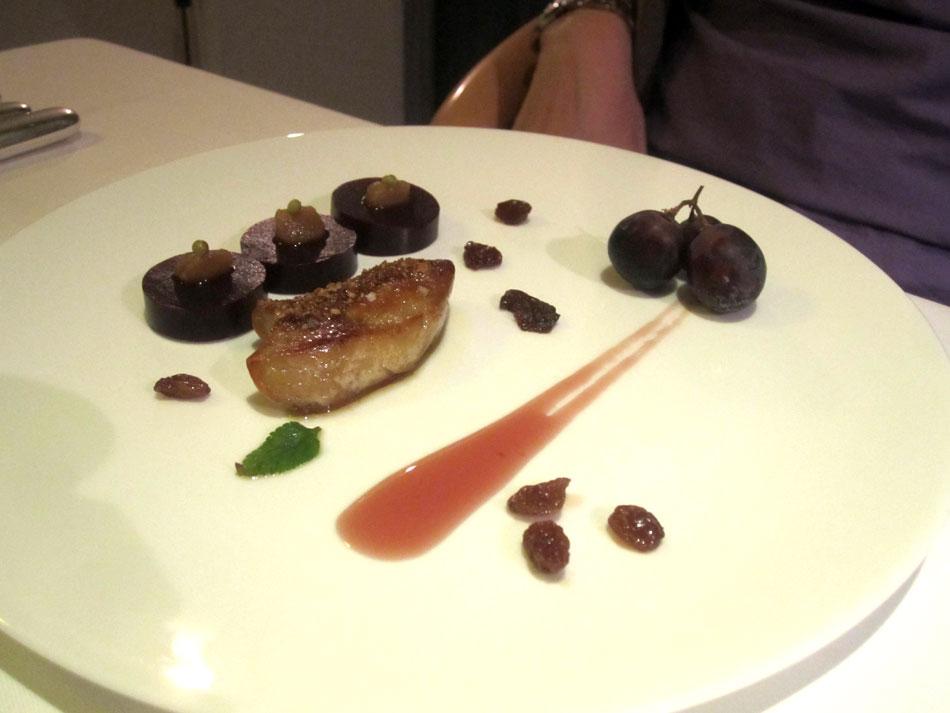 Périgord-Enten-Foie-gras karamellisiert mit Trauben Apfel mit Szechuan Pfeffer aus unserem Garten