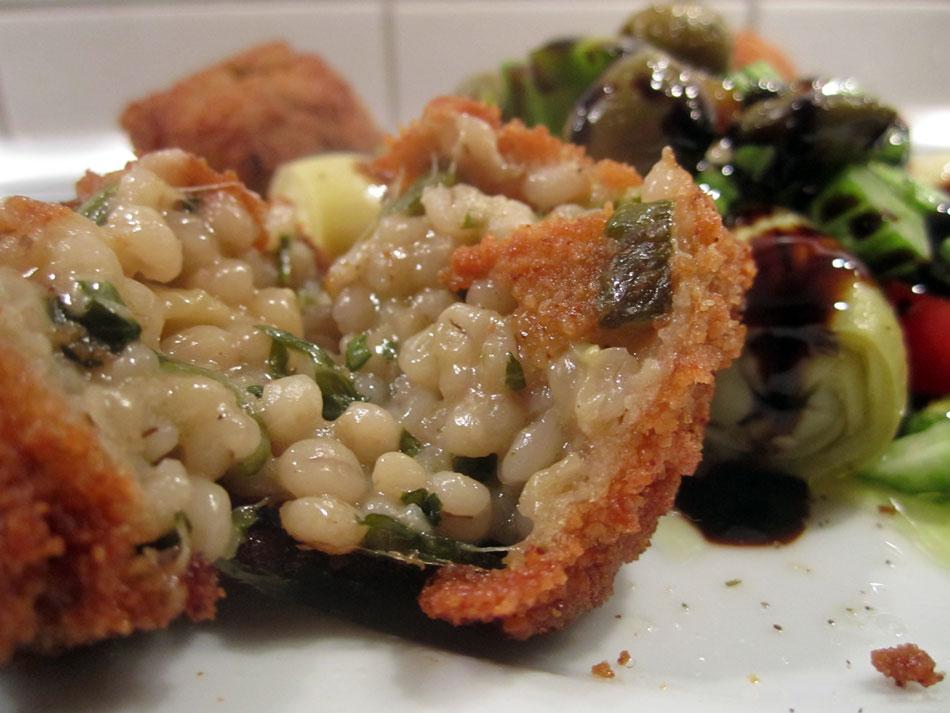 Arancini vom Zucchini-Graupen-Risotto