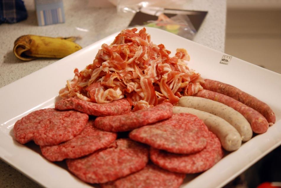 Bacon, Burger-Pattys und Würste vom Naturmetzger