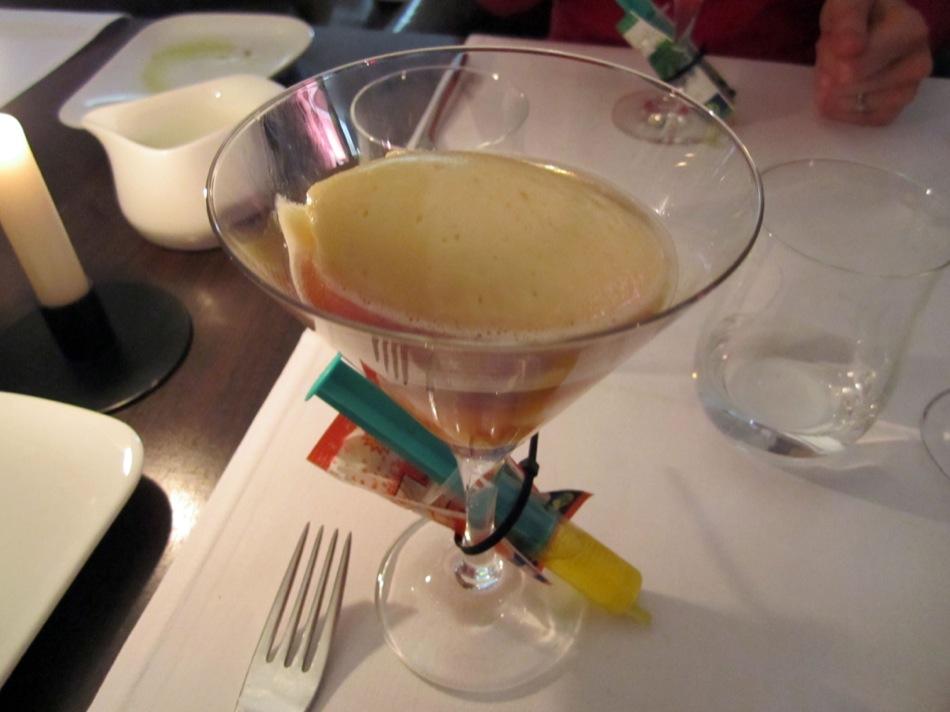 Eisbockiges Minz Maracuja Sorbet mit Mango und Vodka Ahoi