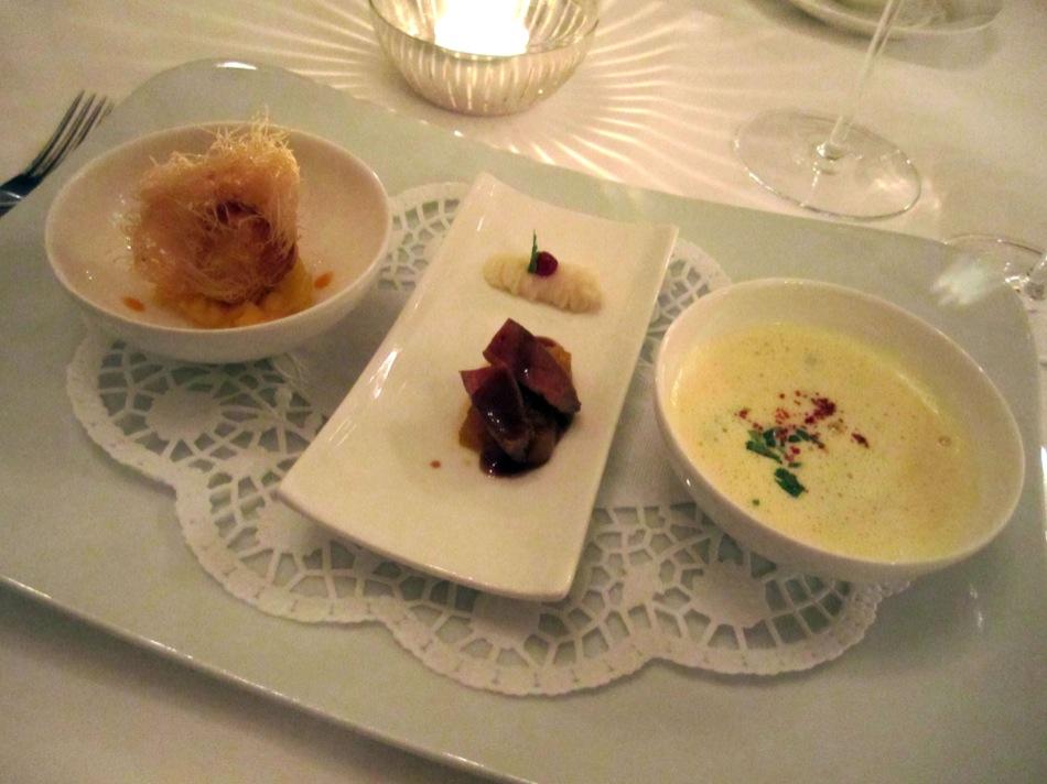 Edelfisch Praline mit Curry Früchten - Kaninchenleber mir Dörrobstragout und Sellerie- Püree - Safran Süppchen mit Bouchot Muscheln