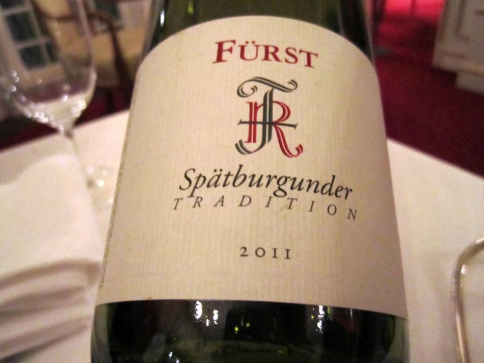 Und für Damen anstelle der Weinreise: Ein Fürst - Spätburgunder Tradition - 2011