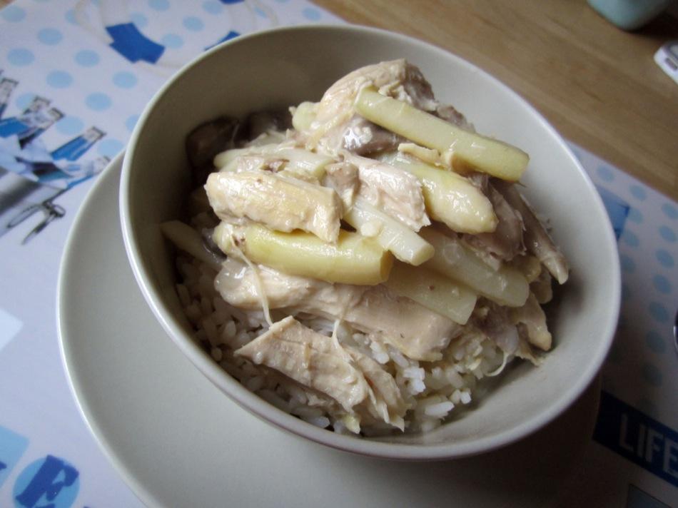 Hühnerfrikassee vom Maishähnchen mit Spargel und Champignons