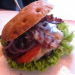 Hamburger Manufaktur Freddy Schilling – saftige Burger von bestem Fleisch