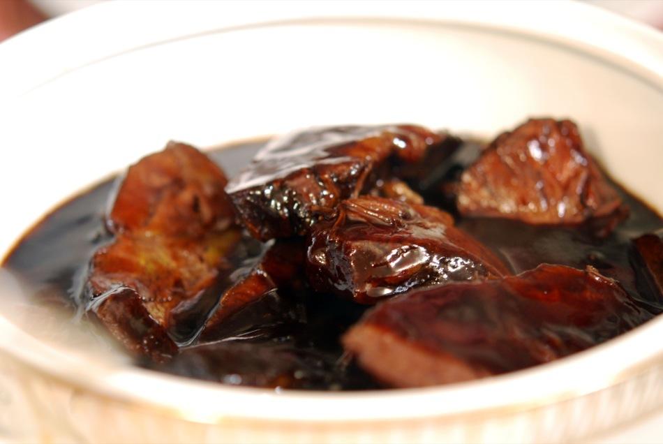 Irische Ochsenbacke in Portwein-Schokoladen-Sauce, Ofen-Kürbis, Zitronenpüree