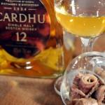 Whisky zum Aperitif? Baguette mit Anchovis, Knoblauch und Tomate zu einem Cardu 12 years