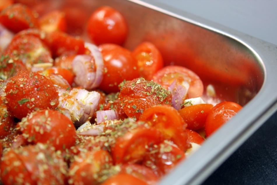 Schnelle Pasta: Orecchiette mit Brokkoli, Scampi und geschmolzenen Tomaten