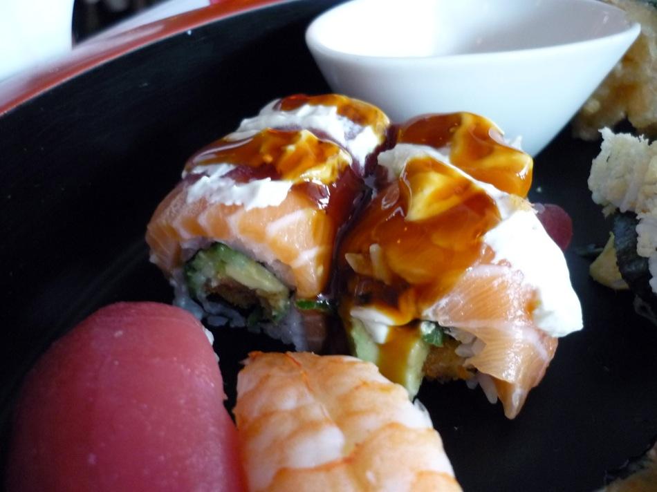 Henssler Henssler Mix (Maki, Inside-out-Maki, Nigiri, Spezial-Sashimi, Tempura)