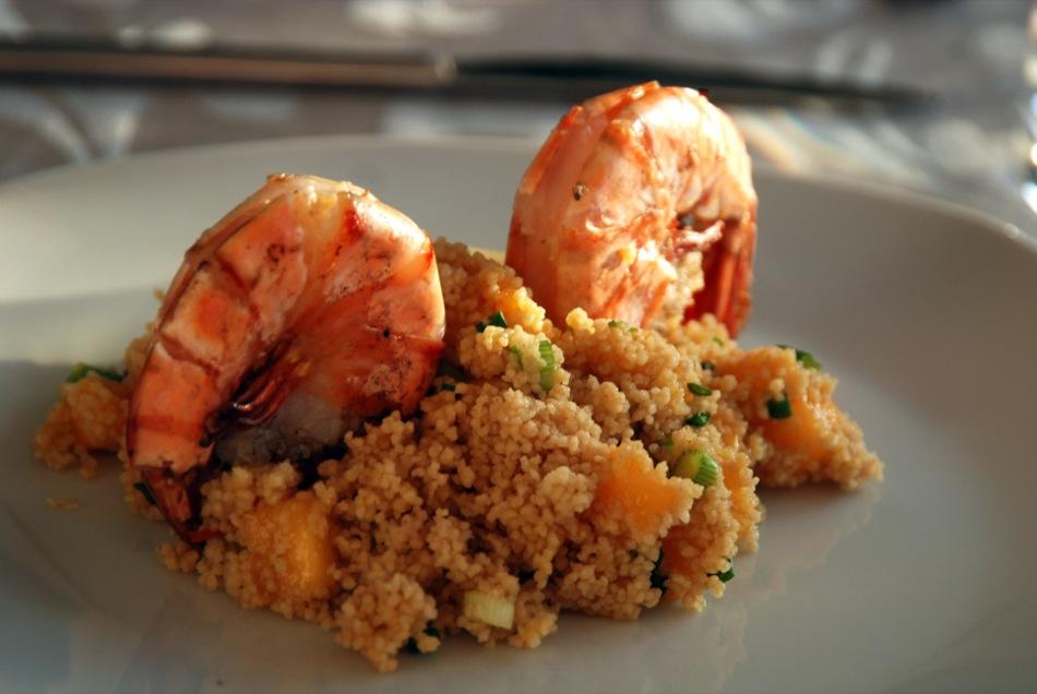 VinoCamp-Wine-Food-Pairing: Mango-CousCous mit gegrillten Scampi