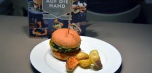 Portobello Burger mit Cheddar und Schmorzwiebeln aus Auf die Hand