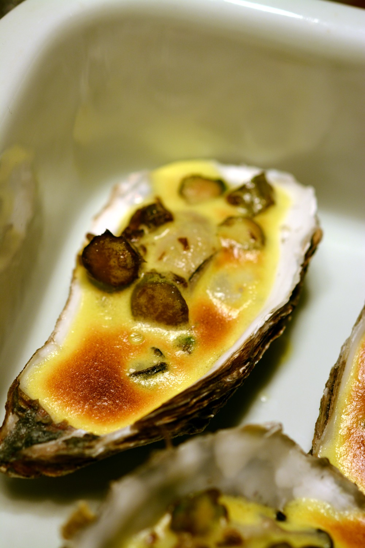 Gratinierte Austern mit Prosecco Zabaione und Grünem Spargel