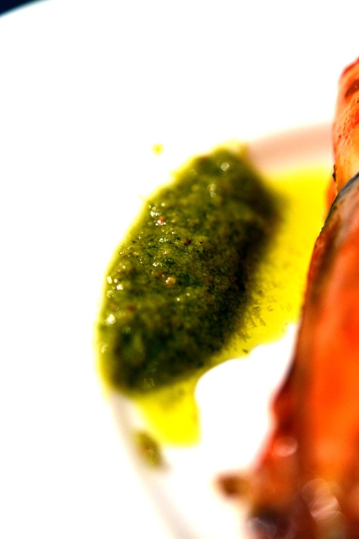 Riesenscampi mit Tomaten-Paprika-Risotto & Basilikum-Chili-Öl