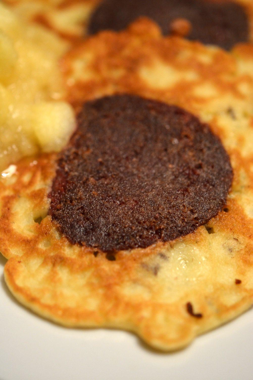 Blutwurst-Puffer mit Apfelkompott aus Heute Koch ich, morgen brat ich